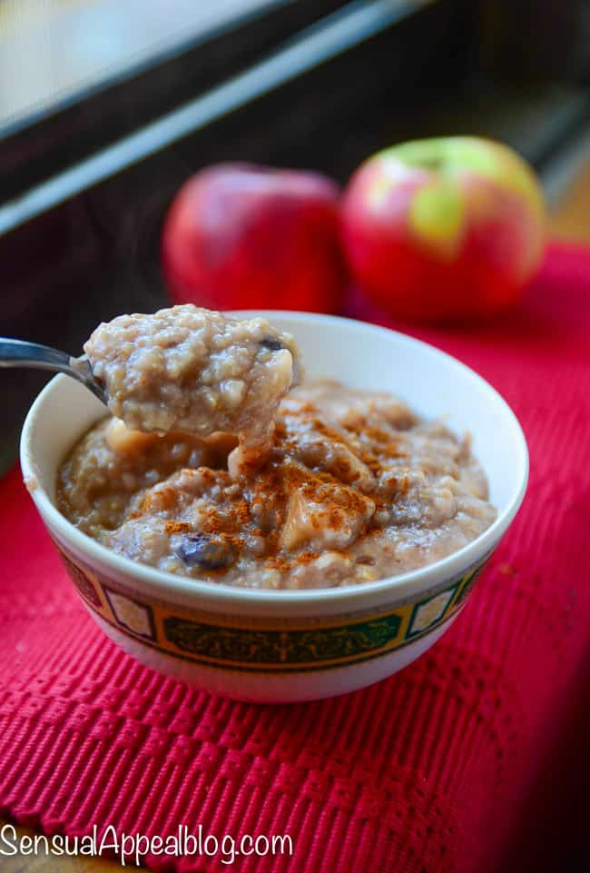 Slow Cooker Apple Pie Steel Cut Oats by SensualAppealBlog.com