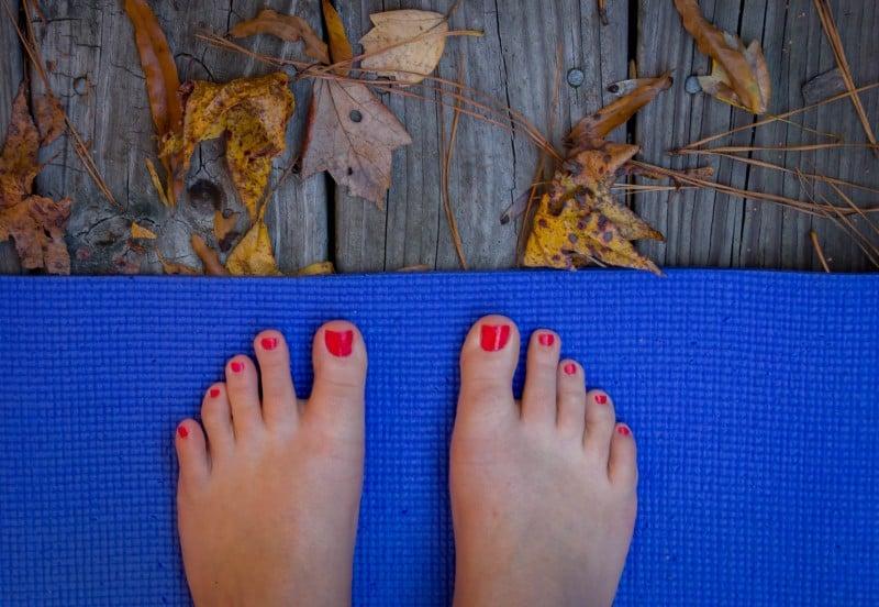 Feet_on_mat
